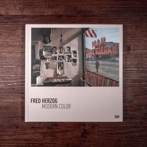 Fotobuch-Regal.de - Rezension: Fred Herzog - Modern Color - Vorderseite